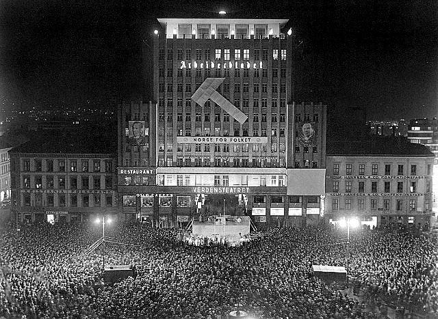Folkemøte på Youngstorget i forbindelse med stortingsvalget i 1936.