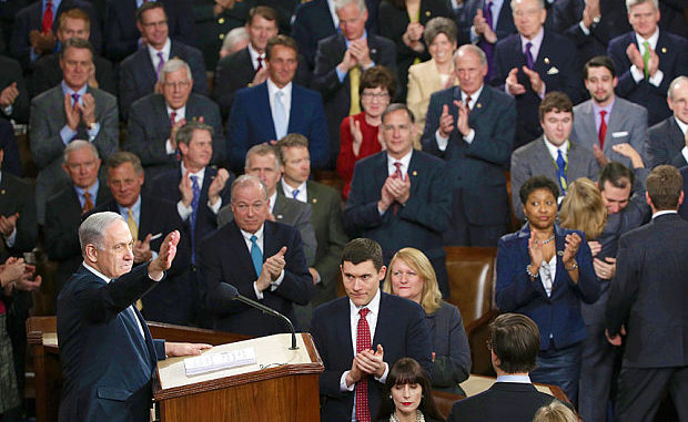 Med AIPAC i ryggen har amerikanske senatorer og kongressmedlemmer politisk medvind. Netanyahu i kongressen i mars 2015.